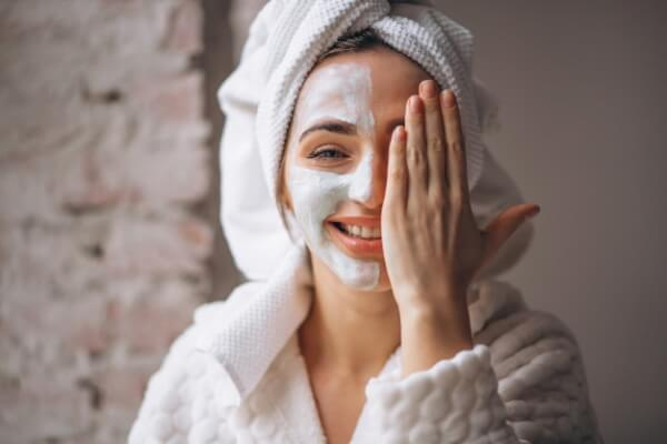 use moisturizer for the skin of your face
